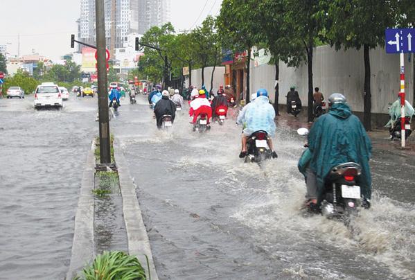 Đường Nguyễn Hữu Cảnh ngập