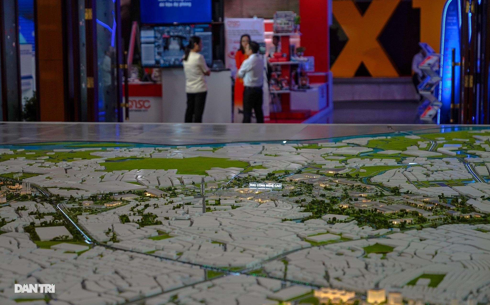 Sa bàn quy hoạch đô thị phía Đông TP.HCM - Thành phố Thủ Đức